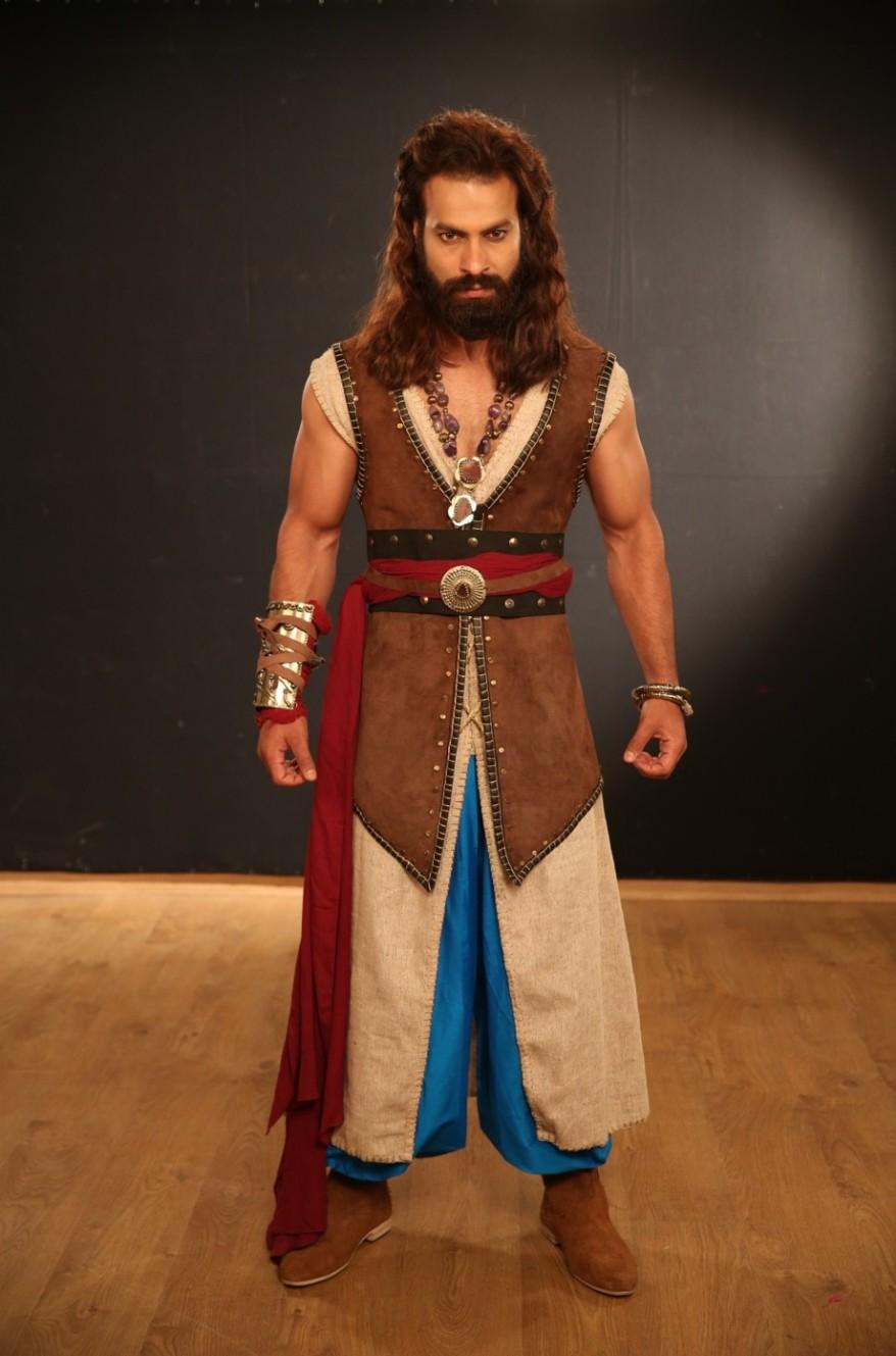 Vishal Patni as Farus.jpg