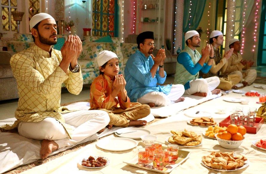 adnan khan with family.jpg