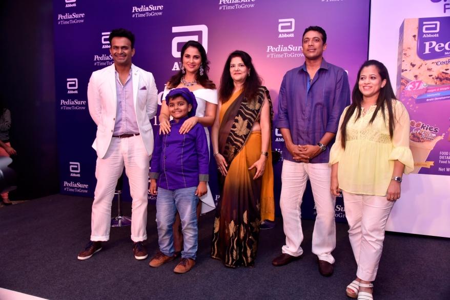 (L-R) Siddharth Kannan, Lara Dutta, Chef Kicha, Dr. Indu Khosla, Mahesh Bhupathi and Dr. Eileen Canaday at PediaSure's Cookies & Cream Flavour launch event in Mumbai.JPG