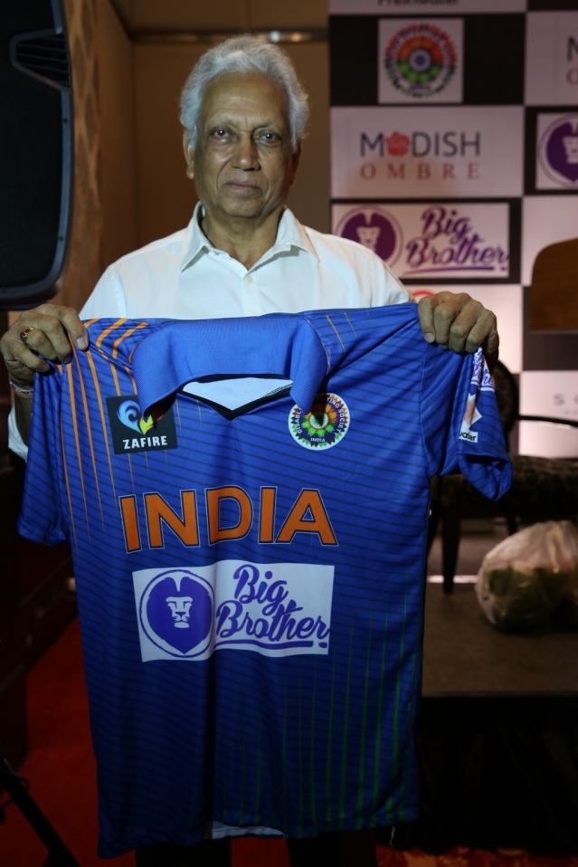 Mr. Mohinder Amarnath (ex-Indian Cricketer) unveiling the jersey for The Physically Disabled Indian Cricket Team supported by Big Brother Foundation.jpg