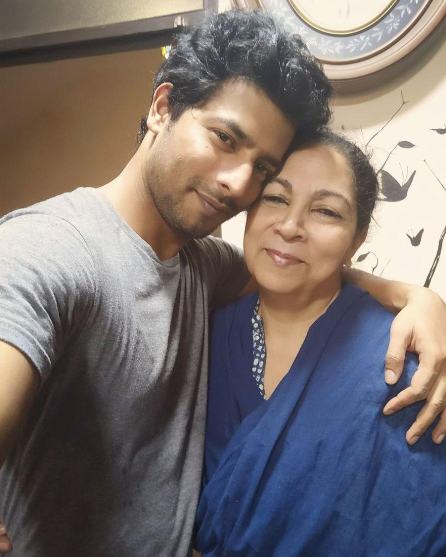 Sehban Azim with mother.jpeg