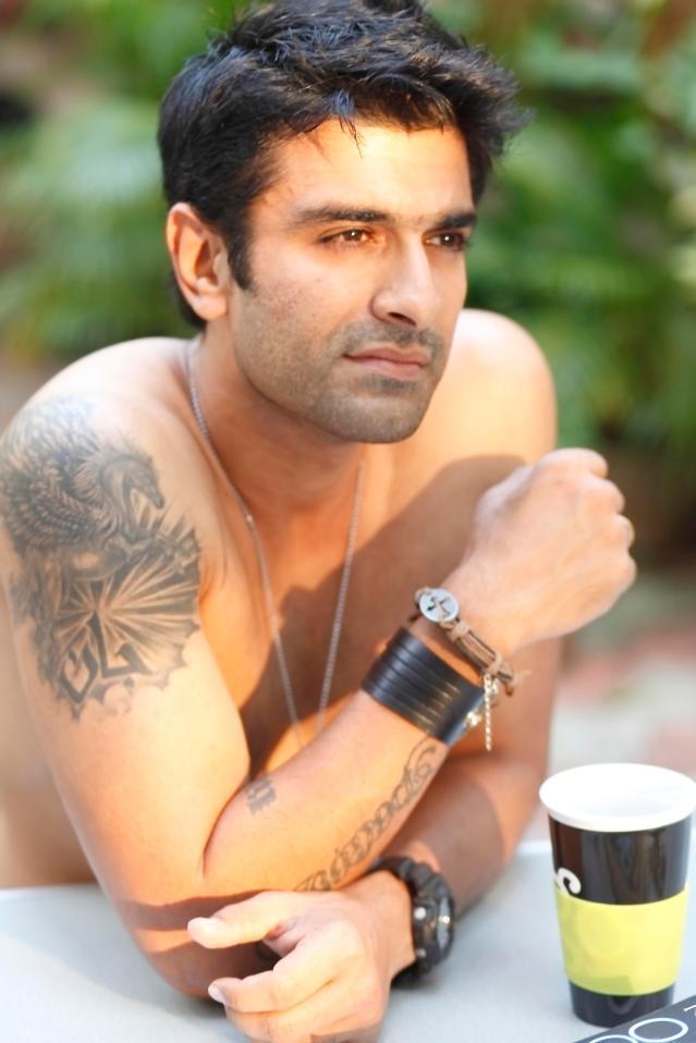 Eijaz Khan.jpg