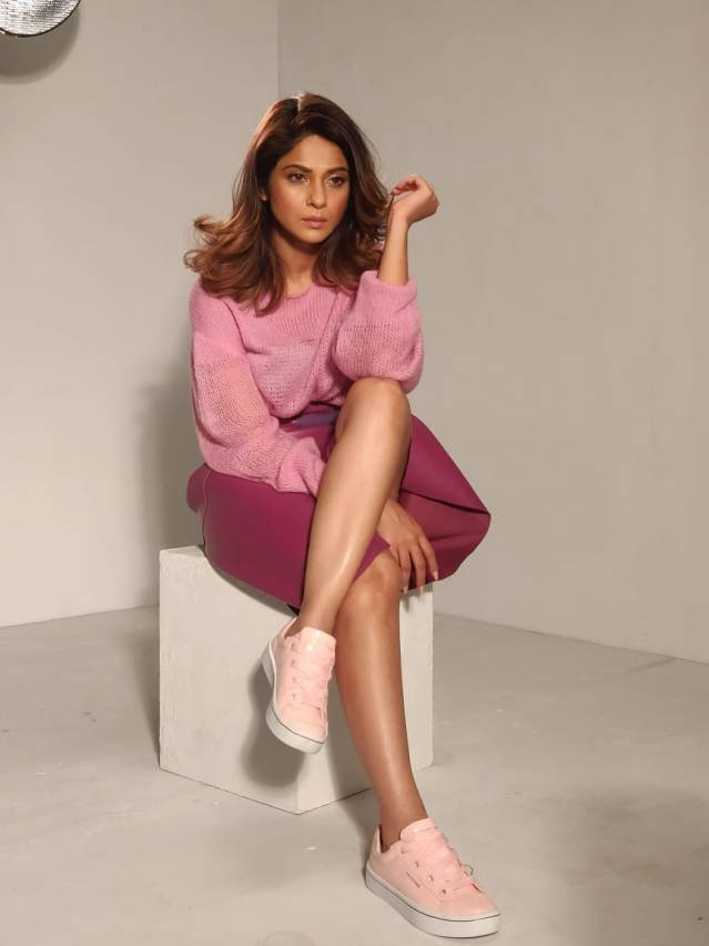 Jennifer Winget spotted shooting for Skechers shoes in Malad @skechersIndia 2