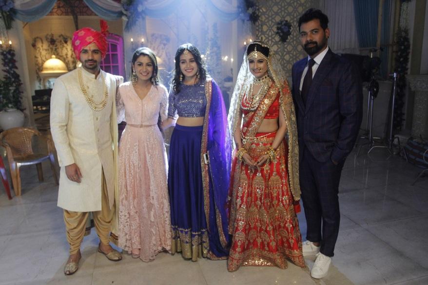 Kumkum Bhagya Saawan Mahotsav - L to R Vishal Singh, Sriti Jha, Rhea Sharma, Yuvika Chaudhary and Shabbir Ahluwalia.JPG