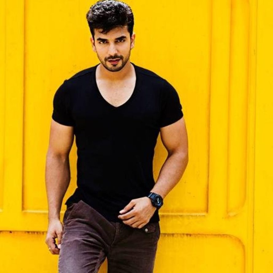 Manit Joura as Rishabh Luthra in Kundali Bhagya4.jpg