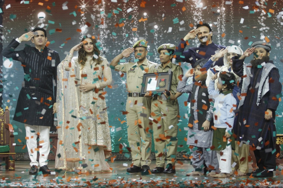 Rukhsana Kausar a true hero gets felicitated on the stage of India's Best Dramebaaz (20).jpg