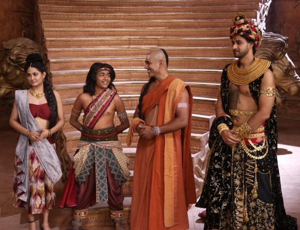 Shefali Sharma (Moora) Katrikeya Malviya (Chandragupta Maurya), Tarun Khanna (Chanakya) and Sourabh Raaj Jain (Dhananand).JPG