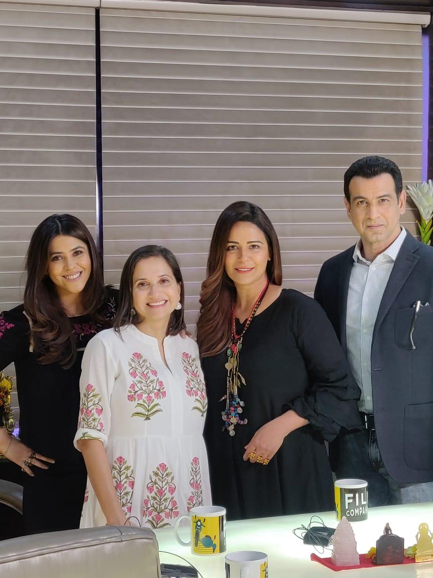 Ekta Kapoor,Anupama Chopra, Mona Singh and Ronit Roy.jpeg