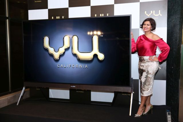 Devita Saraf, Chairman VU Television living the VU Life with the VU Premium Android TV (Cinema Night) - Copy_Low Res (3).jpg