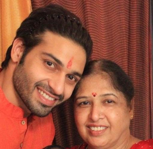 Vijayendra Kumeria with mother Usha