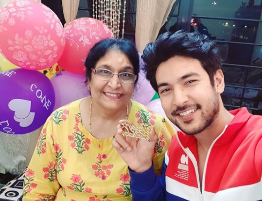 Shivin Narang with mother Suman